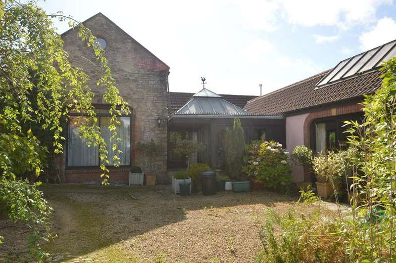 3 Bedrooms Detached House for rent in The Coach House, Old Port Road, Wenvoe, Nr Cardiff, CF5 6AN