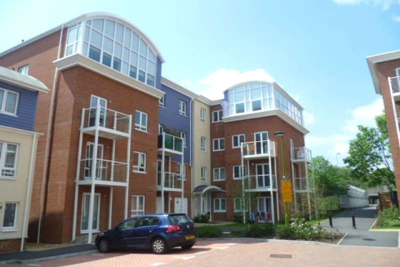 2 Bedrooms Flat for rent in Pumphouse Crescent, Watford, WD17