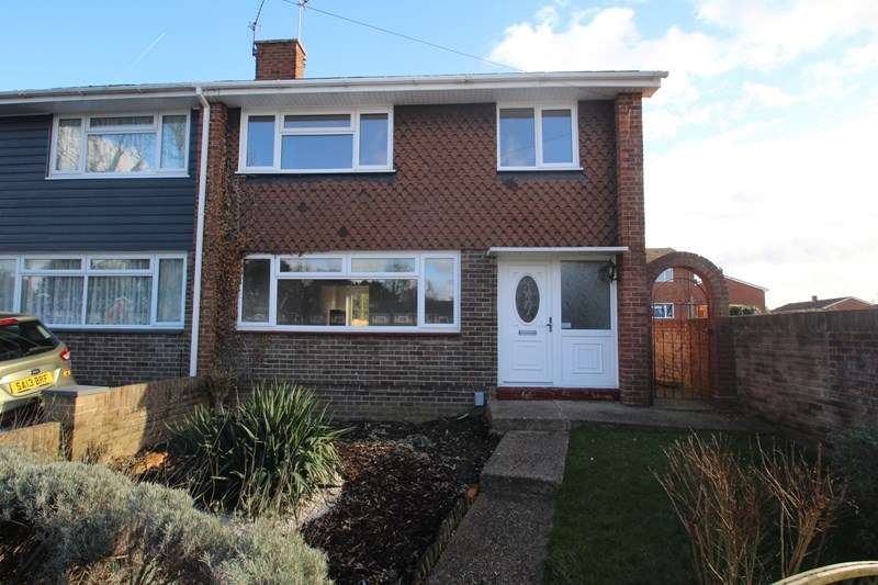 3 Bedrooms Semi Detached House for rent in Woodington Close, Havant
