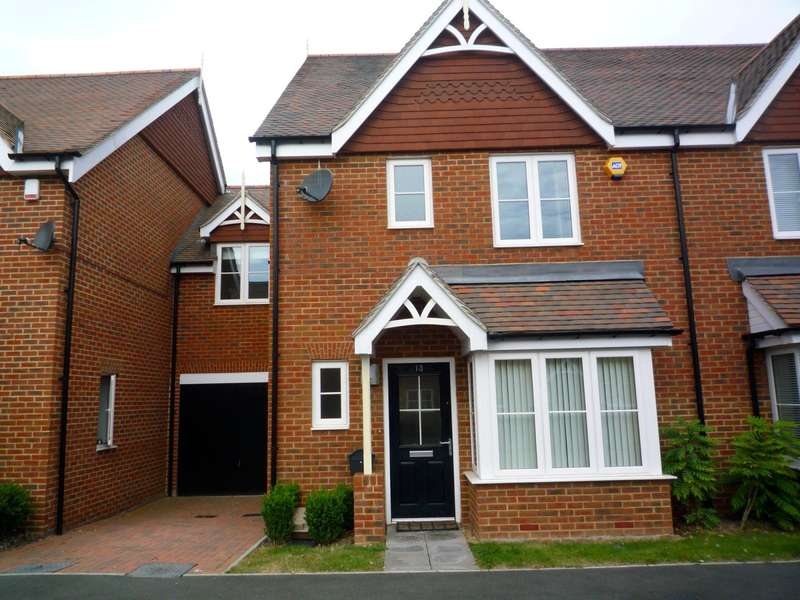 3 Bedrooms Terraced House for rent in Shearing Drive, Burgess Hill