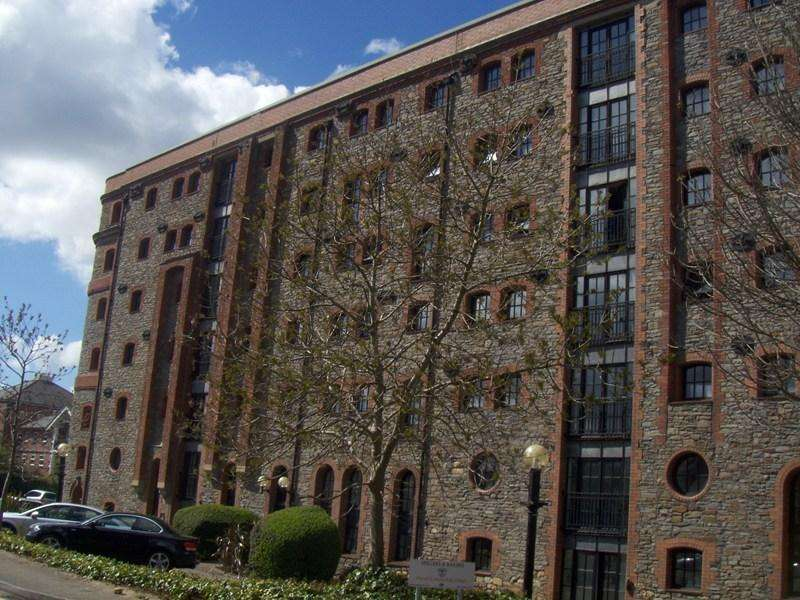 2 Bedrooms Apartment Flat for sale in Llansannor Drive, Cardiff