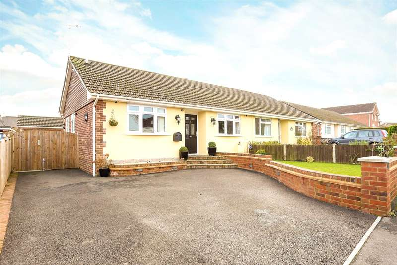 2 Bedrooms Semi Detached Bungalow for sale in Selborne Close, Petersfield, Hampshire, GU32