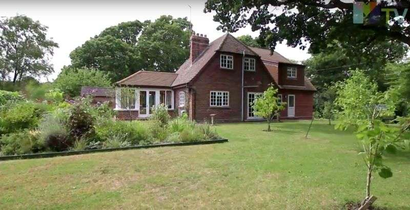 3 Bedrooms Property for sale in Moreton Road Owermoigne, Dorchester