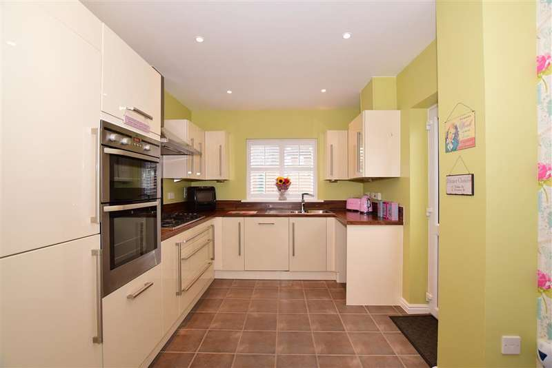 5 Bedrooms End Of Terrace House for sale in Hazen Road, , Kings Hill, West Malling, Kent