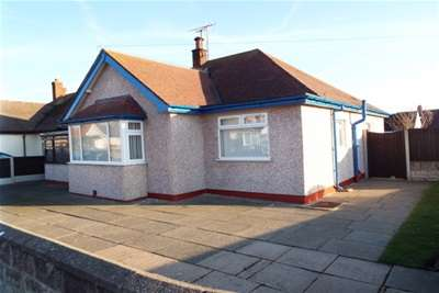 3 Bedrooms Detached Bungalow for rent in Burns Drive, Rhyl