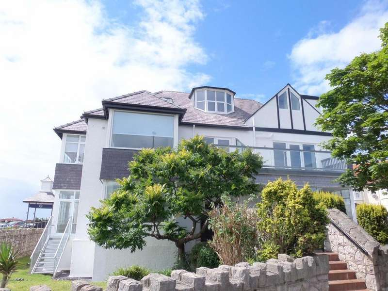 2 Bedrooms Apartment Flat for sale in West Parade, Llandudno