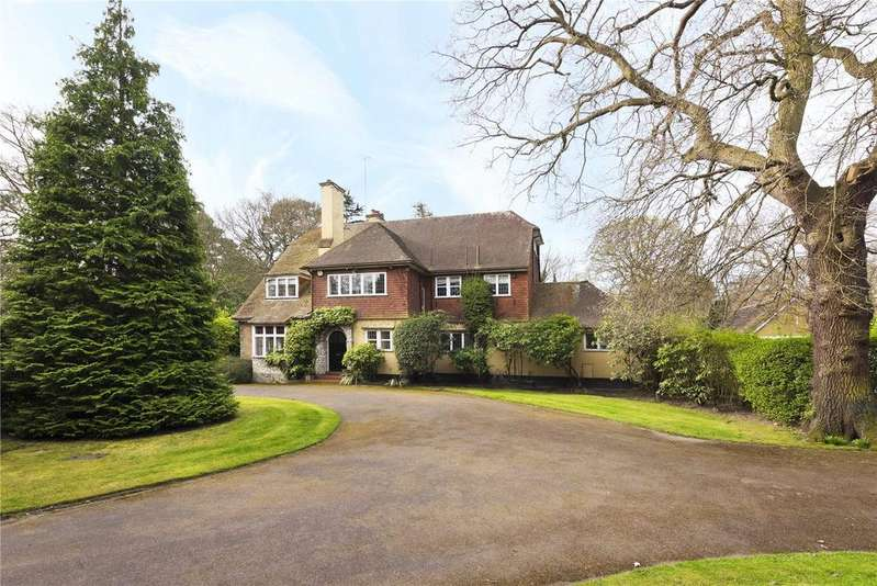 6 Bedrooms Detached House for sale in East Road, St George's Hill, Weybridge, Surrey, KT13