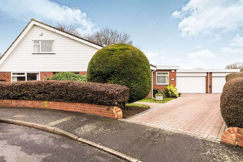 4 Bedrooms Detached House for sale in Studley Crescent, New Barn, DA3