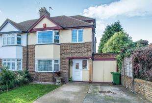 4 Bedrooms Semi Detached House for sale in Gravel Hill, Bexleyheath, Kent, UK