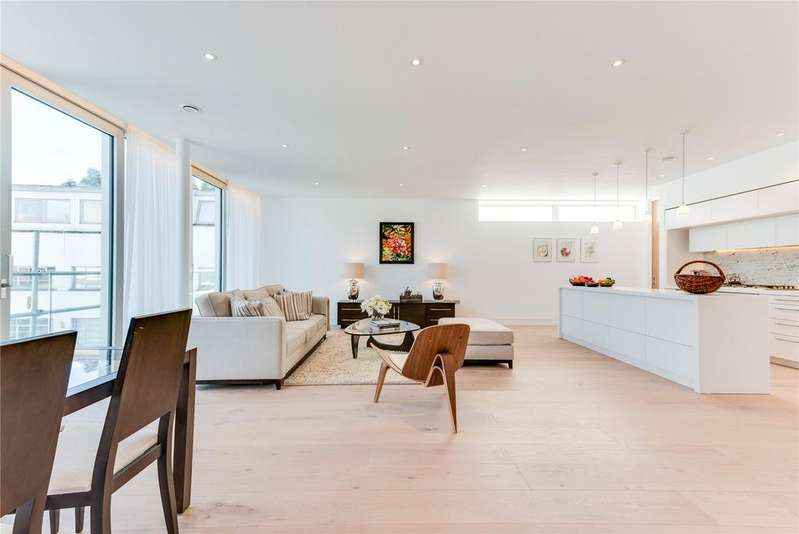 3 Bedrooms Flat for sale in Barnsbury Square, Islington, London, N1