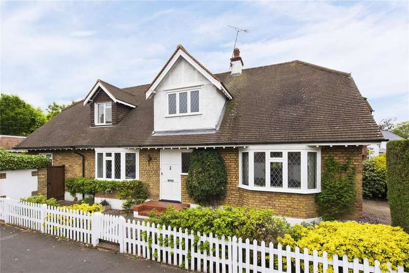 4 Bedrooms Detached House for sale in Kings Drive, Thames Ditton, Surrey, KT7