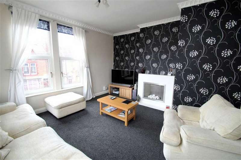 2 Bedrooms Duplex Flat for sale in William Avenue, Leeds