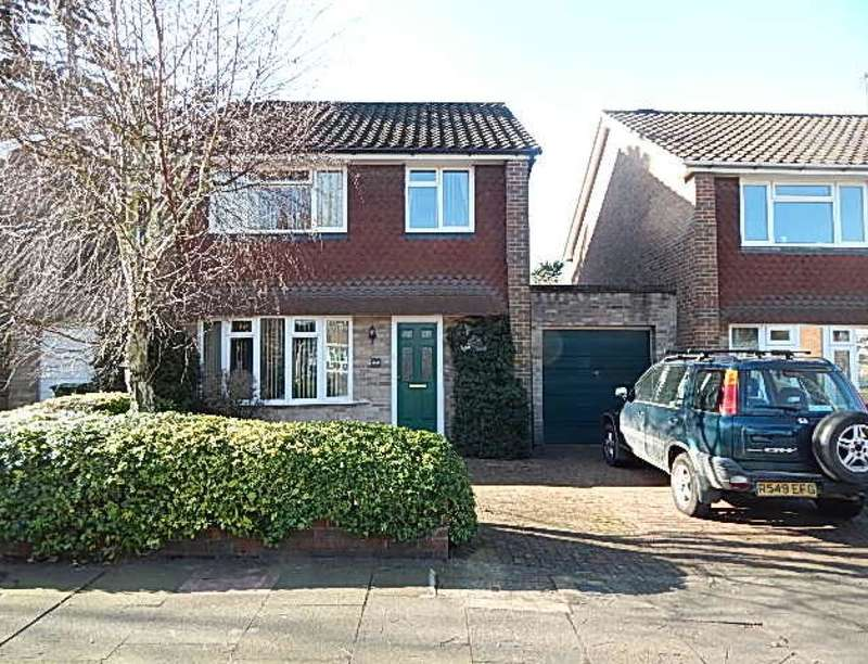 3 Bedrooms Detached House for rent in The Drive, Sidcup, DA14