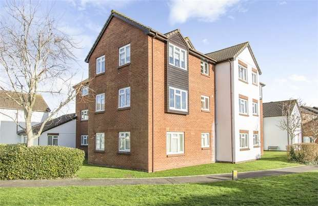 1 Bedroom Flat for sale in Wentworth Drive, Christchurch, Dorset