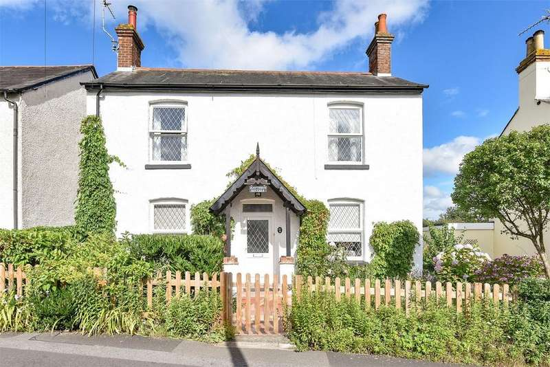 2 Bedrooms Detached House for sale in Farnham, Surrey