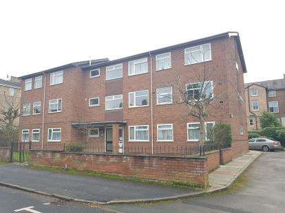2 Bedrooms Flat for sale in Flat 1, 5 Hazel Road, Altrincham, Greater Manchester