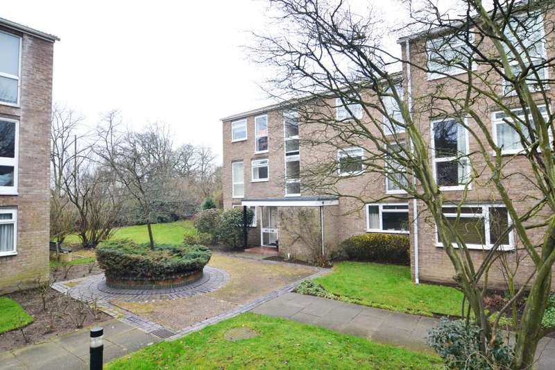 1 Bedroom Apartment Flat for sale in Harrowdene Gardens, Teddington, TW11