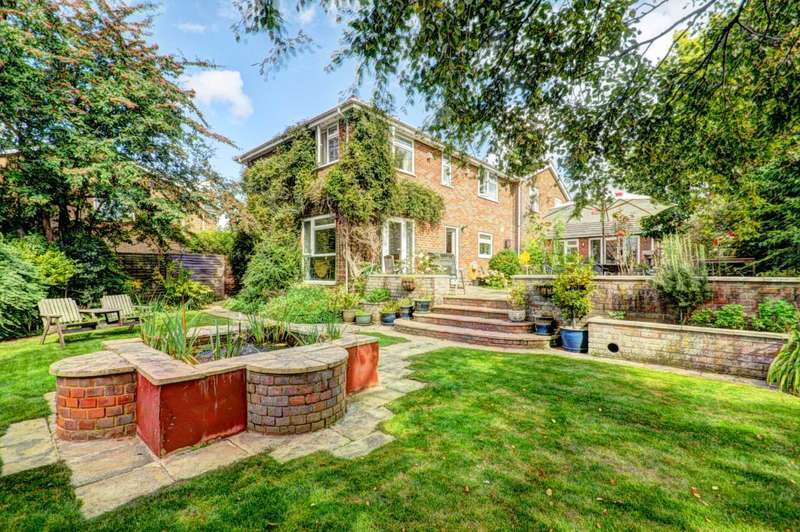 5 Bedrooms Detached House for sale in Elm Trees Long Crendon