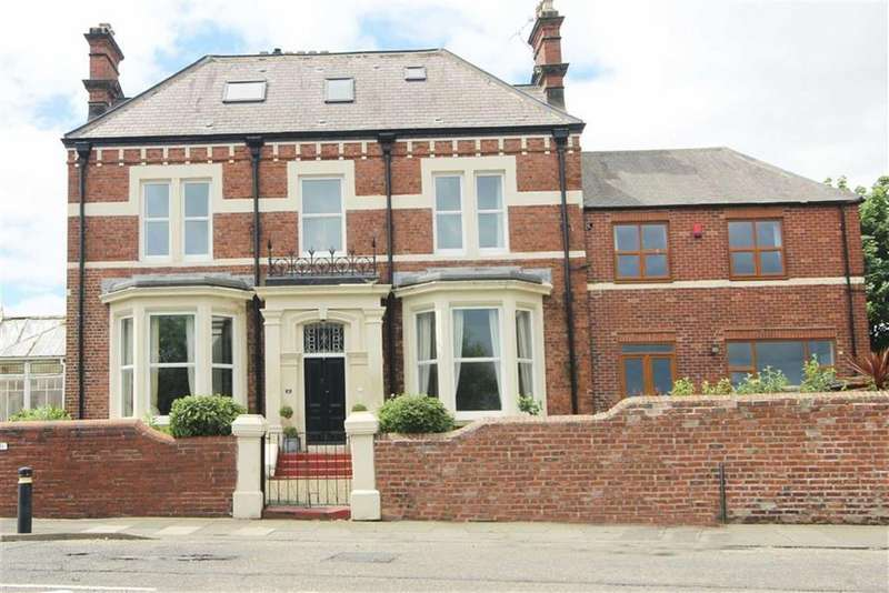 4 Bedrooms Terraced House for sale in Seaview Terrace, South Shields, Tyne And Wear