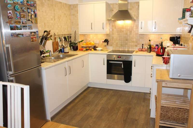 1 Bedroom Flat for sale in Minter Road, Barking