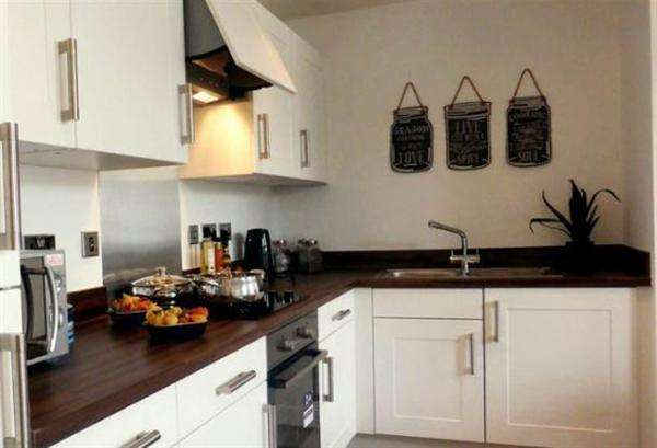 2 Bedrooms Apartment Flat for sale in The Hambledons, Marlborough Road, Accrington
