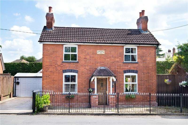 4 Bedrooms Detached House for sale in Coldwells Road, Holmer, Hereford, HR1