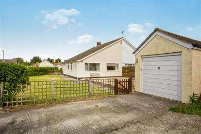 3 Bedrooms Bungalow for sale in Orchard Way, Offord D'Arcy, St. Neots, Cambridgeshire