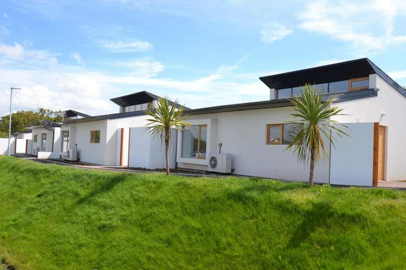 2 Bedrooms Detached Bungalow for sale in The Sun Houses, Allenstyle
