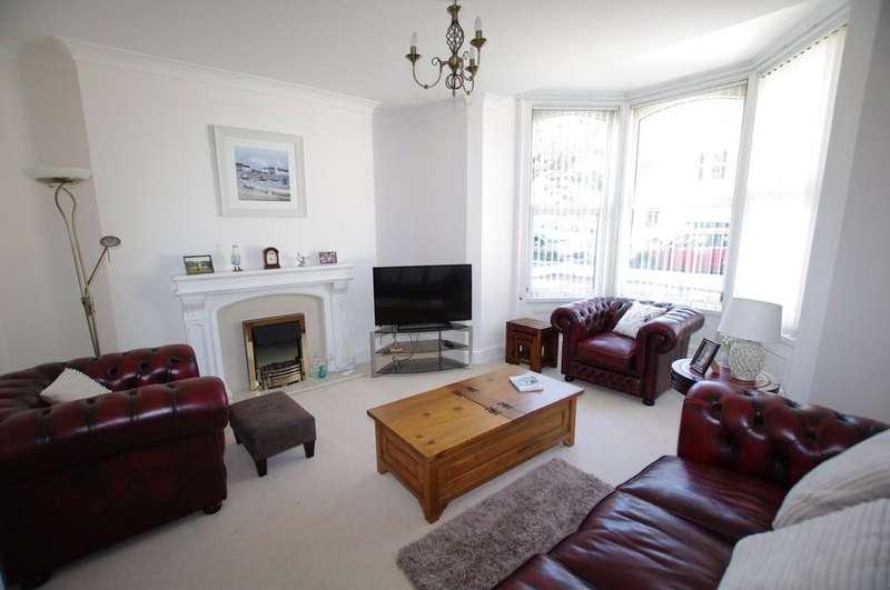 2 Bedrooms Apartment Flat for sale in Chapel Street, Llandudno