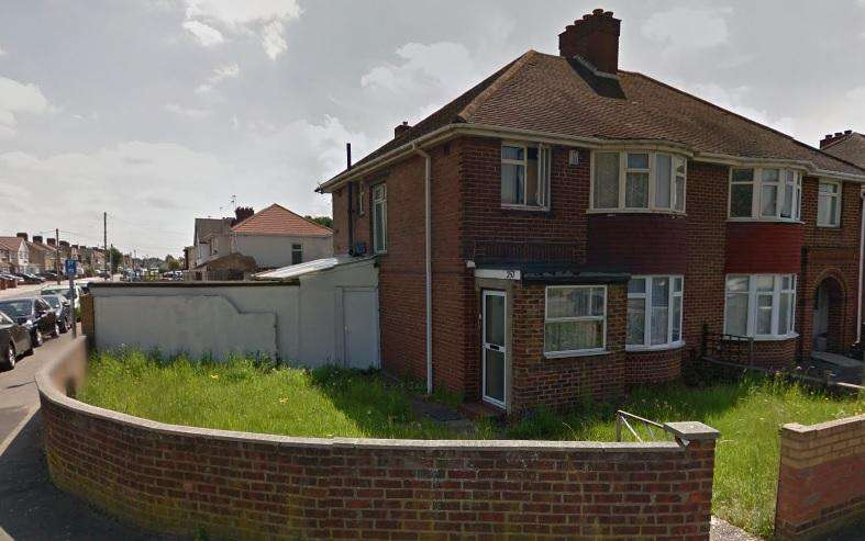 6 Bedrooms Semi Detached House for sale in Station Road, Hayes UB3