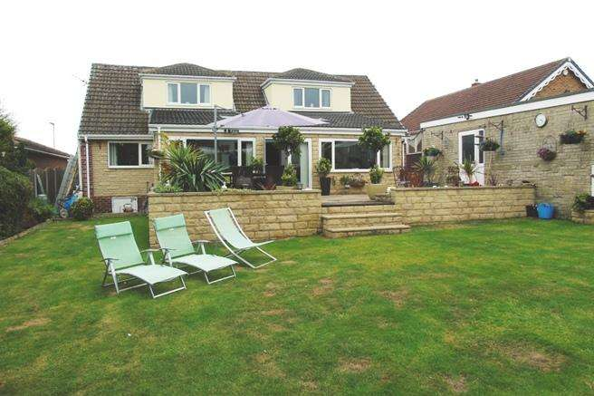 4 Bedrooms Bungalow for sale in 34 Rectory Lane, Thurnscoe, Rotherham, S63 0RS