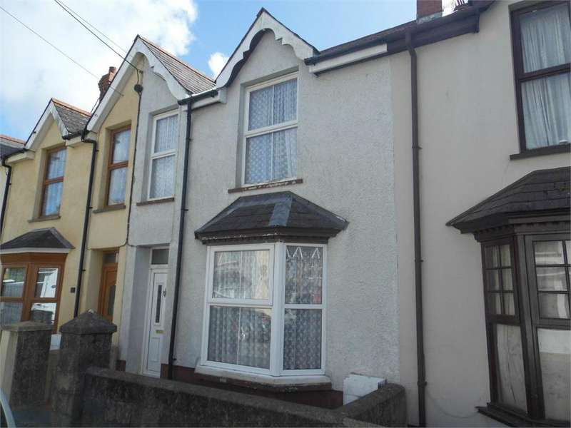 3 Bedrooms Terraced House for sale in 5 Victoria Avenue, Fishguard, Pembrokeshire