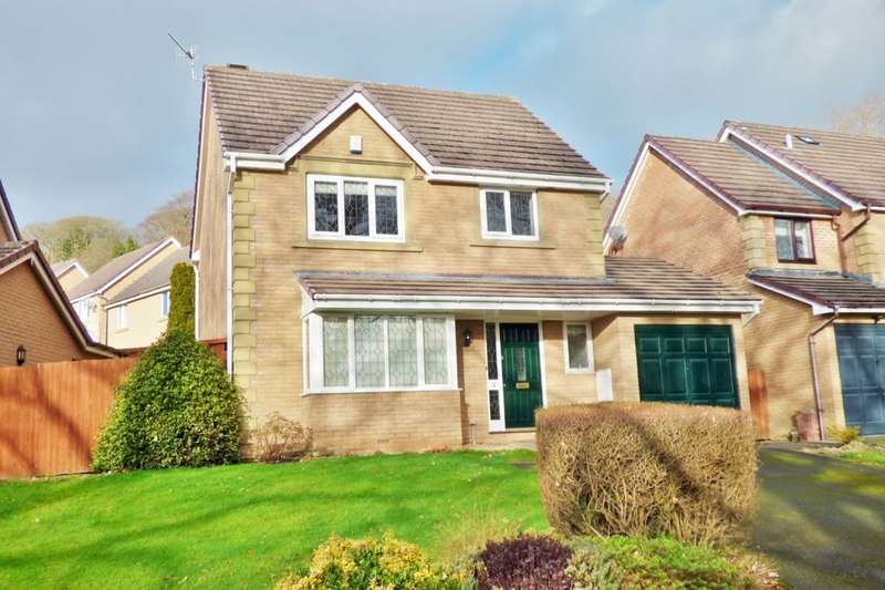 3 Bedrooms Detached House for rent in Fennec Road, Baildon, Shipley, BD17
