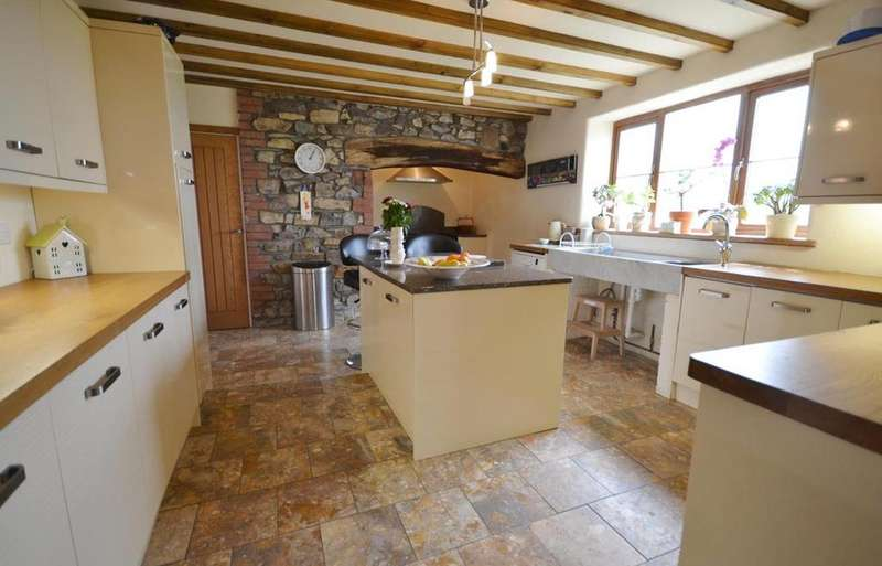 4 Bedrooms Detached House for sale in Walton East, Haverfordwest