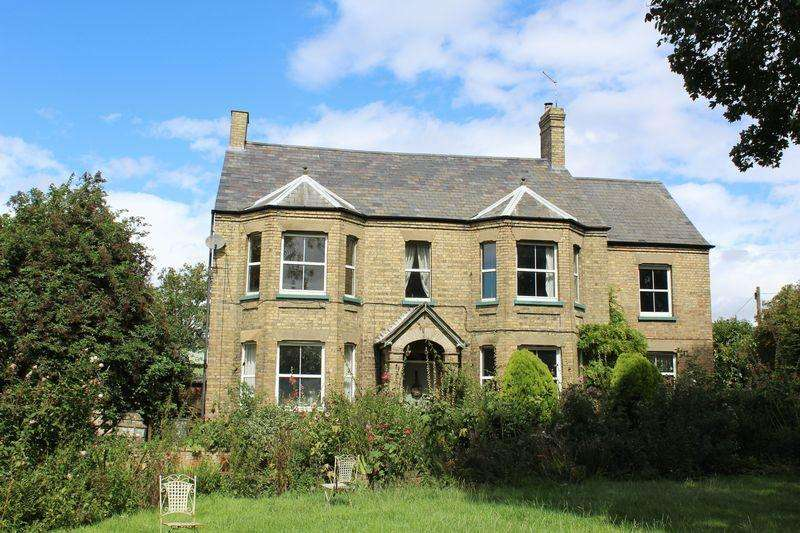 5 Bedrooms Detached House for sale in English Drove, Thorney