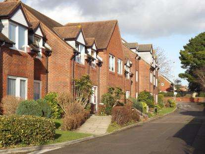 2 Bedrooms Retirement Property for sale in Christchurch, Dorset