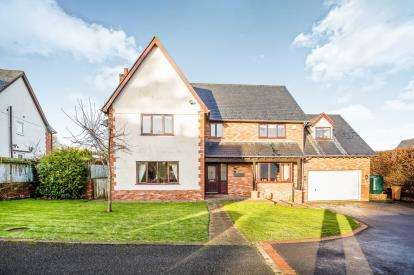 4 Bedrooms Detached House for sale in Druids Close, Gorsedd, Holywell, Flintshire, CH8
