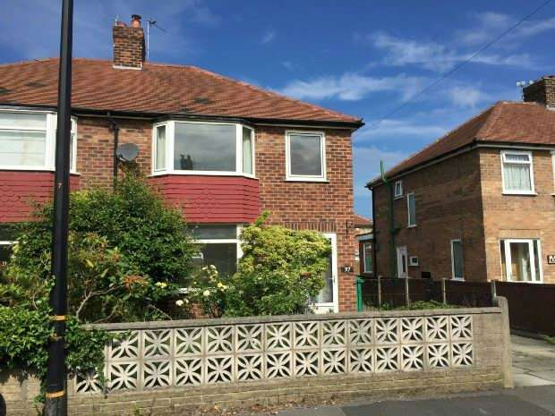 3 Bedrooms Semi Detached House for sale in Oak Road, Sale
