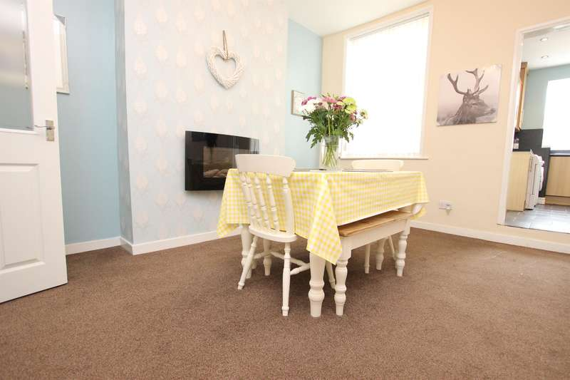 3 Bedrooms Terraced House for sale in St. Pauls Terrace Hoddlesden BB3 3NP