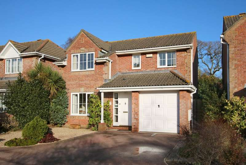 4 Bedrooms Detached House for sale in Forest Gate Gardens, Lymington, Hampshire