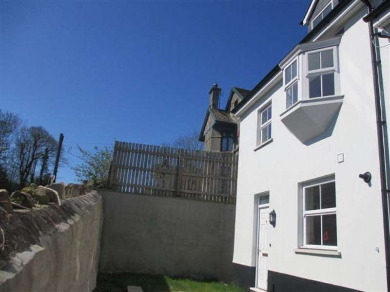 3 Bedrooms End Of Terrace House for sale in Barn Street, Haverfordwest