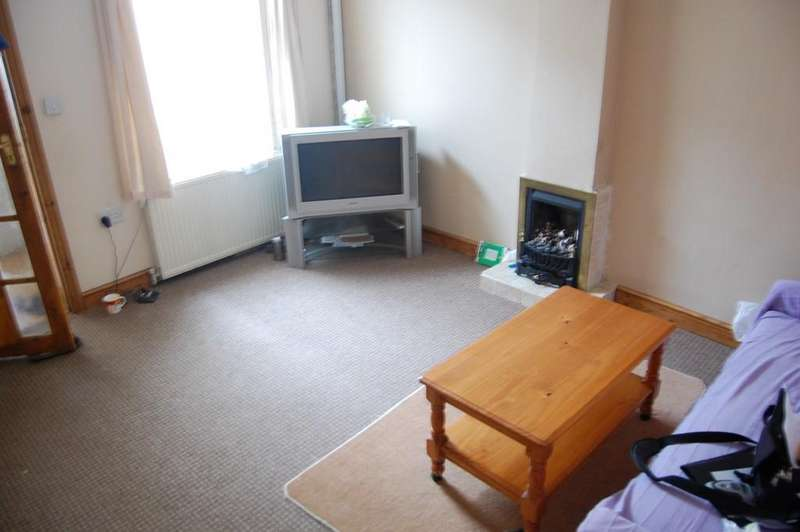 2 Bedrooms Terraced House for sale in Millham Street