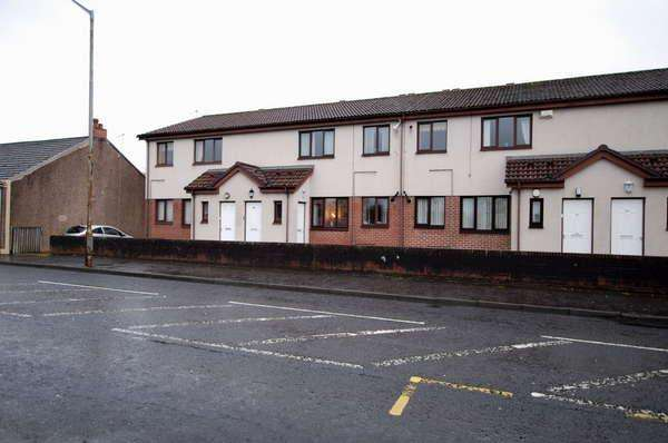 2 Bedrooms Flat for sale in Flat E, 44 Galston Road, Hurlford, Kilmarnock, KA1 5HU