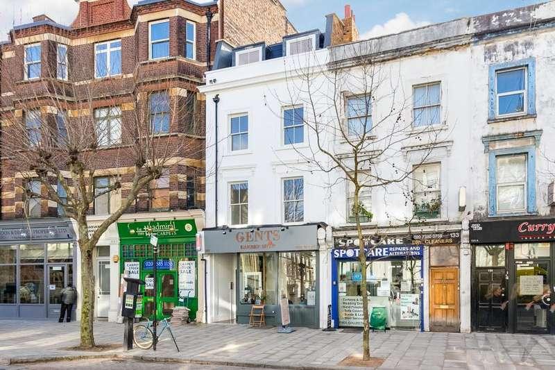 2 Bedrooms Flat for sale in St John's Hill, Battersea, SW11