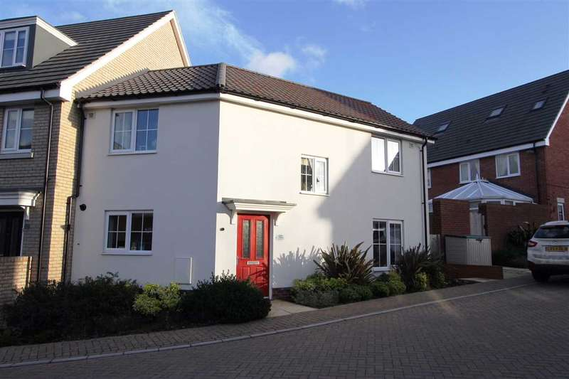 3 Bedrooms Semi Detached House for sale in Montagu Drive, Saxmundham