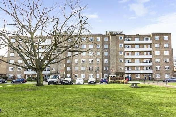 3 Bedrooms Flat for sale in Peterborough Road, London