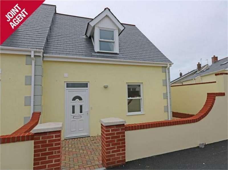 2 Bedrooms Detached House for sale in Clos Sabllounnaeux, Sandy Hook, L'Islet, St Sampson's