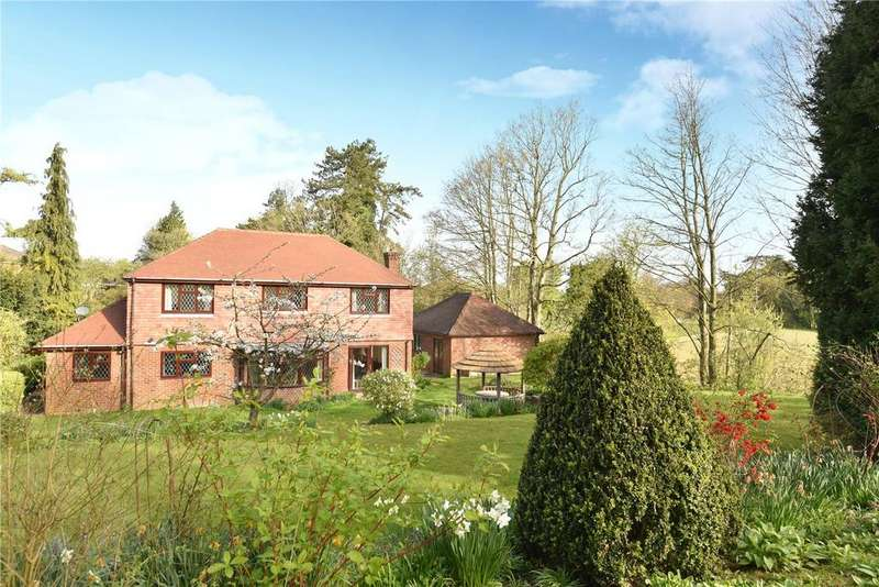 4 Bedrooms Detached House for sale in Farleigh Road, Cliddesden, Basingstoke, RG25