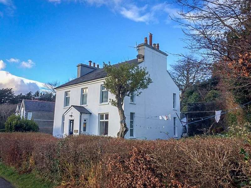 5 Bedrooms Detached House for sale in Mount Pleasant, Minorca Hill, Laxey, IM4 7ED