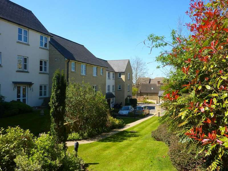 1 Bedroom Apartment Flat for sale in The Green, Chipping Norton